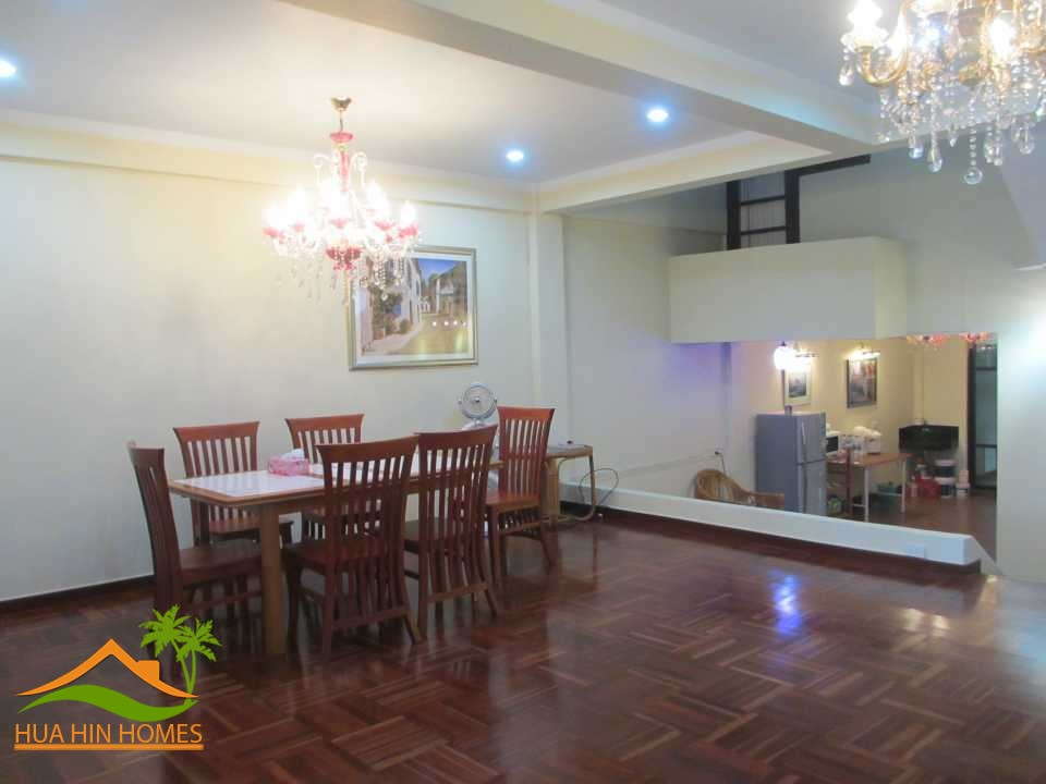 Townhouse 5 Bedroom For Rent In Hua Hin Center Close To