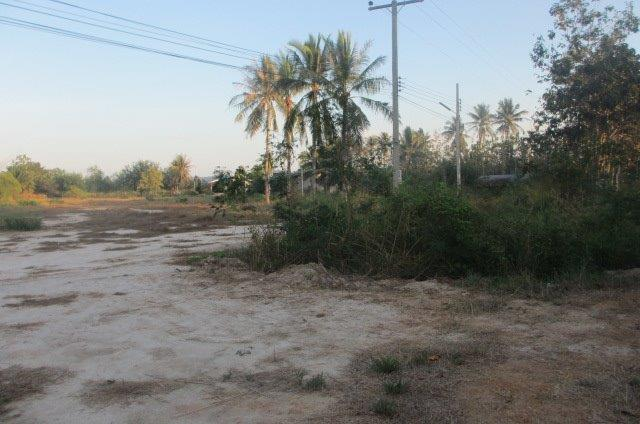 ( Hua Hin ) 8 Rai land for sale in Hua Hin, soi  112      ( ** 950,000 THB per Rai ** )